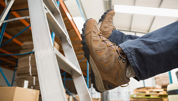Best Shoes for Working On Concrete Floors All Day in 2018