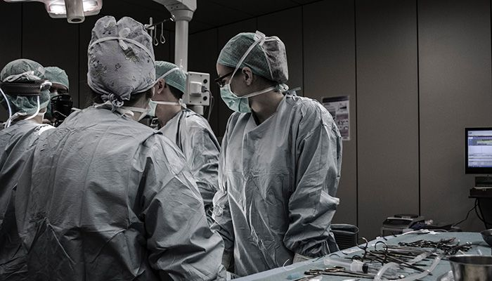 What Shoes to Wear in the Operating Room?